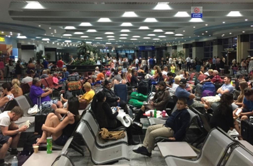 Zahlreiche Fluggäste in Scharm el Scheich sitzen fest. Foto: dpa