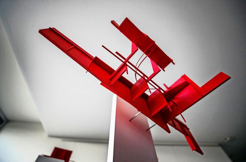 Eines von Karl-Heinz Bogners Architekturobjekten in der Ausstellung. Foto: Gottfried Stoppel