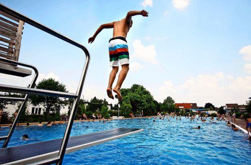 Zeit zum Schwimmen und Sonnenbaden