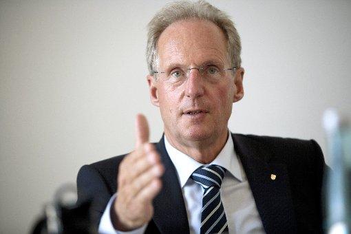 Wolfgang Schuster blickt auf 15 Jahre als Oberbürgermeister der Landeshauptstadt zurück. In der folgenden Bildergalerie zeigen wir seinen mitunter steinigen Weg ins Amt… Foto: Steinert