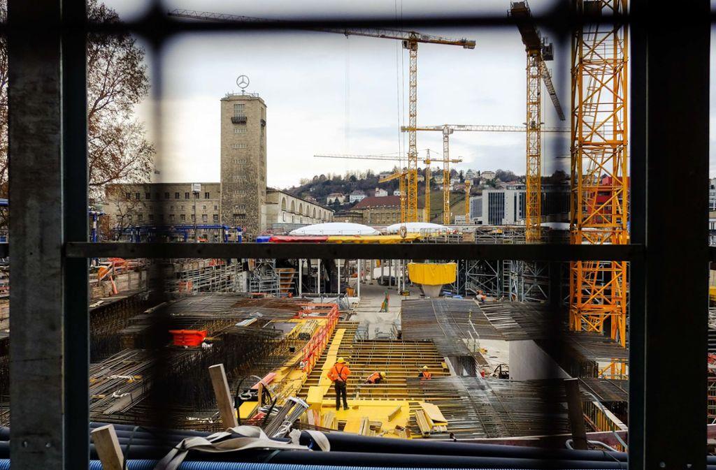 Ende 2025 soll der Tiefbahnhof in Betrieb gehen. Der Bau weiterer Zulaufgleise aus dem Norden wäre bis dahin allerdings nicht zu schaffen. Foto: Lichtgut/Max Kovalenko