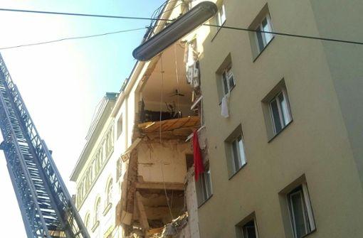 Mehrfamilienhaus teilweise eingestürzt