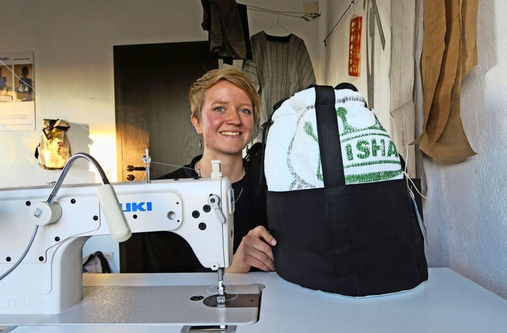 Sarah Müller  arbeitet mit Schneiderinnen in Kenia Foto: Malte Klein