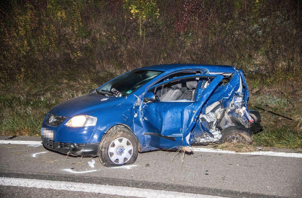 Der VW-Fahrer überlebte den schweren Unfall auf der B29 nicht. Foto: SDMG