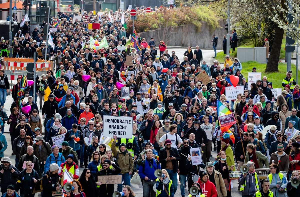 Dichtgedrängt zogen die Demonstranten durch die Stadt Foto: