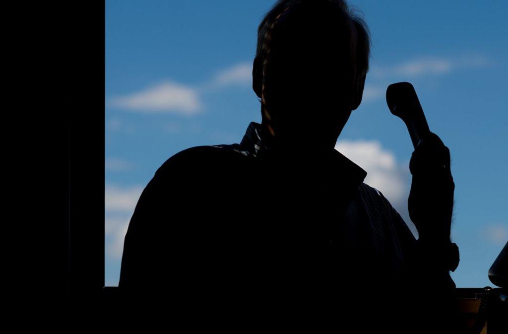 Wer ist der Anrufer – wirklich ein Polizist? Foto: picture alliance / /Julian Stratenschulte