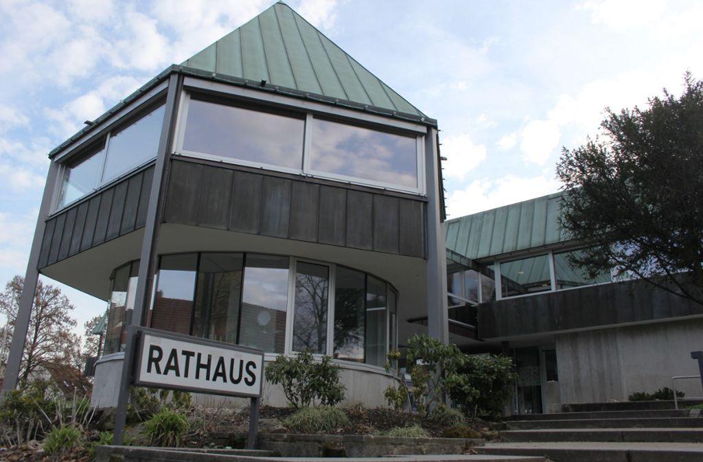 """Das Weinstädter Rathaus sieht im Haushaltsrecht das """"Königsrecht des Gemeinderates"""" – und das bleibt auch so. Foto: Pascal Thiel"""
