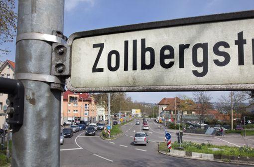 Dicke Pfähle an der Zollbergstraße