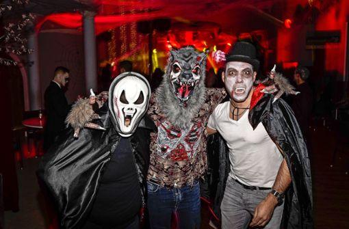Halloween-Geister tanzen nach Mitternacht
