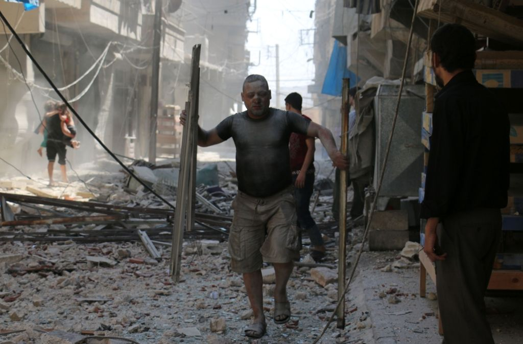 Das Leben in Aleppo ist ein Leben in Trümmern – Hilfe von außen gibt es bisher nicht. Foto: AFP
