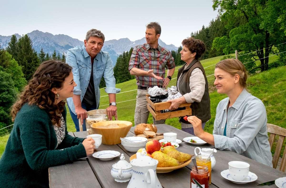 """Weiß, hetero, ohne Migrationshintergrund: Wie viel haben die Geschichten in Serien wie """"Der Bergdoktor"""" noch mit unserer Gesellschaft zu tun? Foto: ZDF/Erika Hauri"""