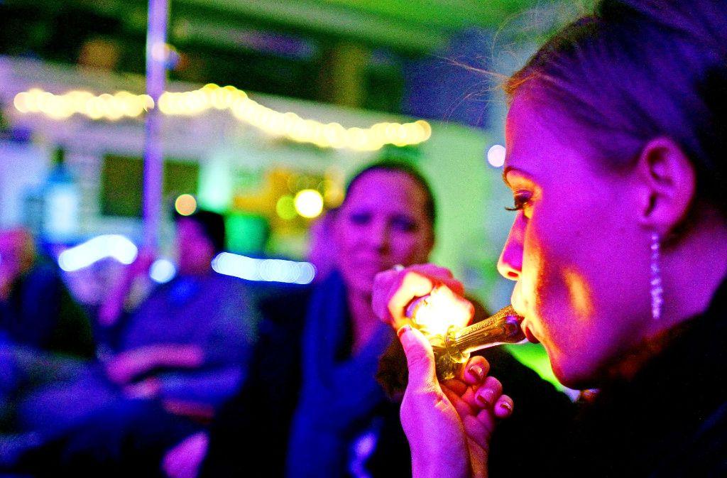 Dieser Joint ist nicht illegal: Seit im US-Bundesstaat Colorado das Kiffen erlaubt ist, boomt der Cannabis-Tourismus. Foto: AP