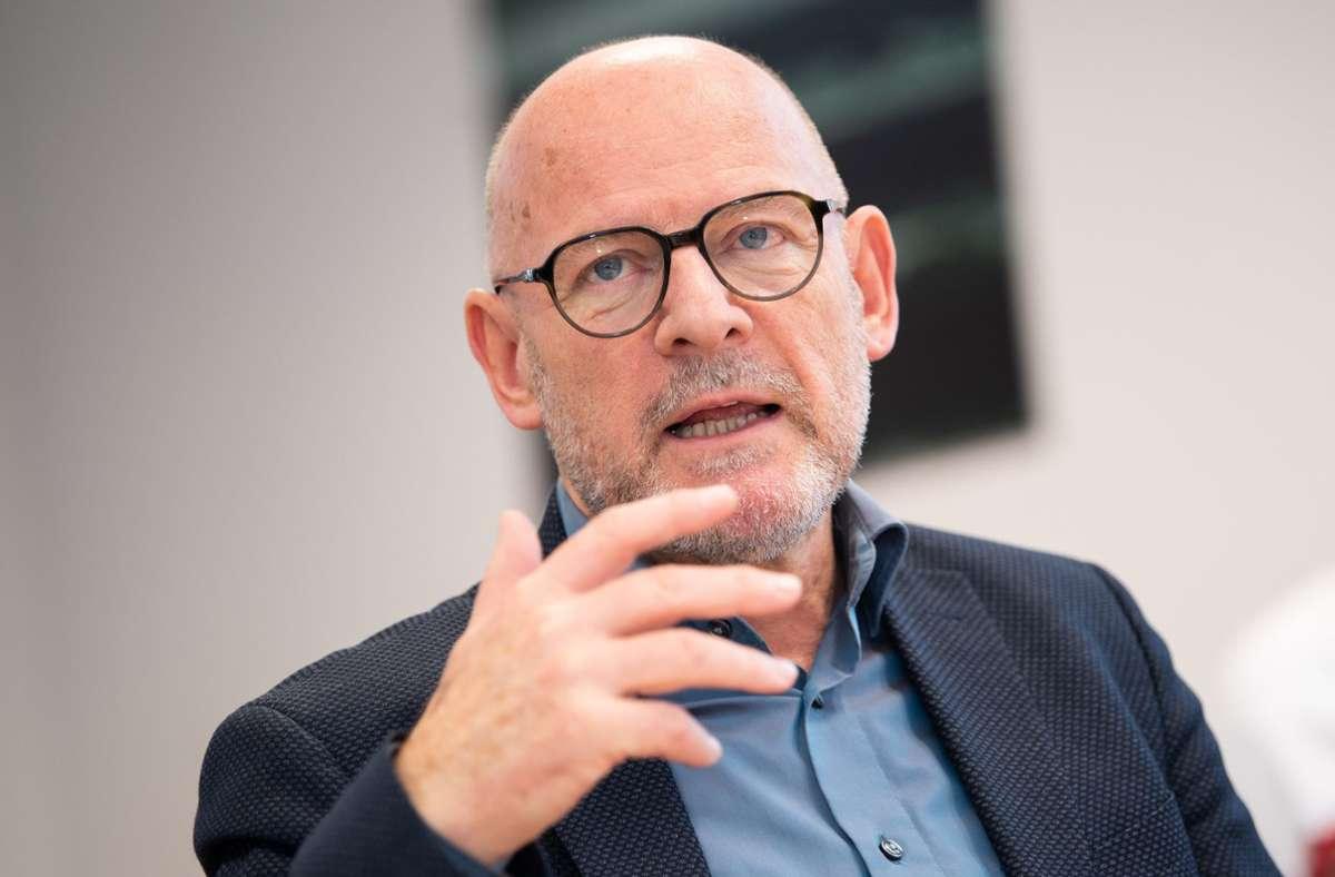 Baden-Württembergs Verkehrsminister Winfried Hermann kritisiert Bundesverkehrsminister Scheuer. (Archivbild) Foto: dpa/Tom Weller