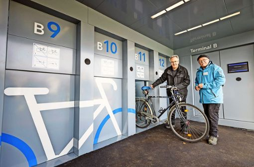 Fahrrad-Parkhaus startet Testbetrieb