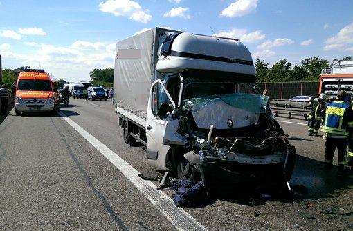 Schwerer Lkw-Unfall auf der A8