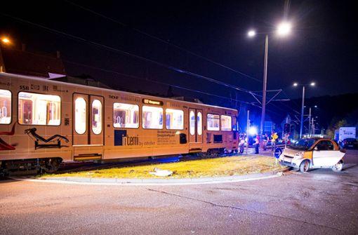 Stadtbahn kracht in Smart – Fahrerin verletzt
