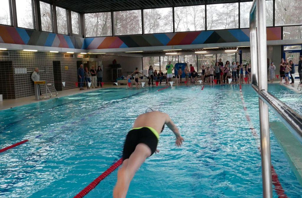Auch normale Badegäste sollen künftig  in Vaihingen nicht auf dem Trockenen sitzen. Foto: Eileen Breuer