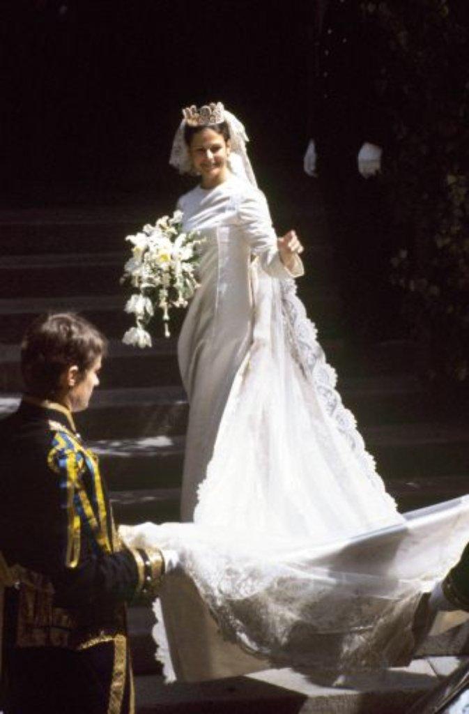 Ausladender Rock und viel Spitze: Prinzessin Madeleines blütenweißes ...