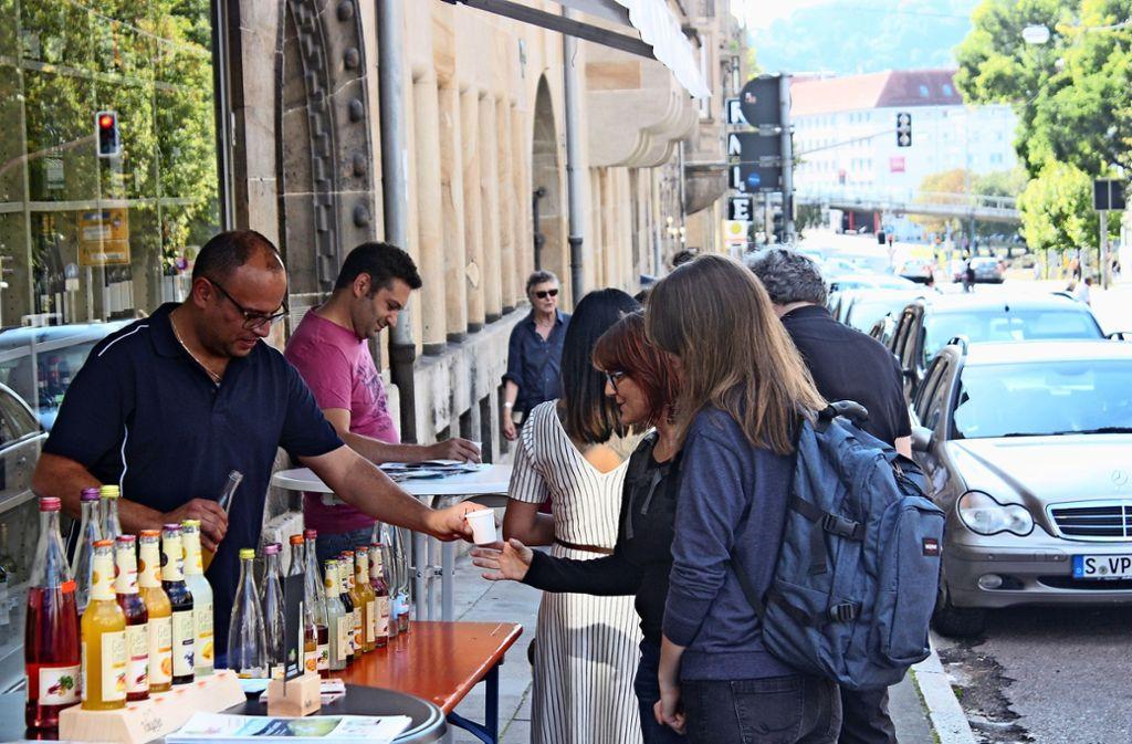 Eine Gratislimo zur Erfrischung: Stand des Getränkehändlers Morlok Foto: Christoph Kutzer