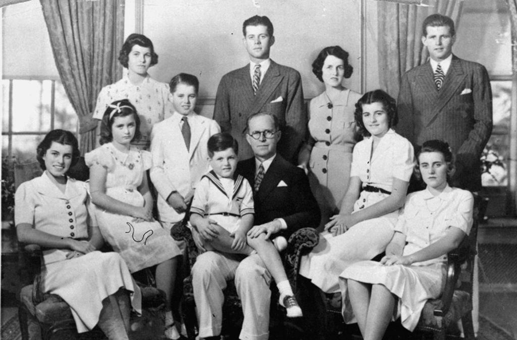 Der Kennedy-Clan: Attraktiv, erfolgreich, ehrgeizig – doch immer wieder suchten die Familie tragische Schicksalsschläge heim. Foto: AP/Boston Globe