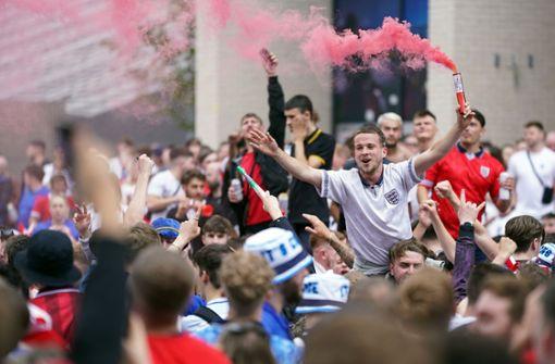 So stimmen sich die Fans auf das Finale in Wembley ein
