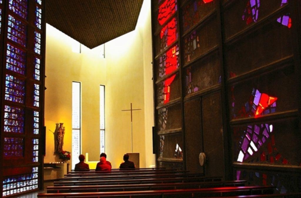 Die Meinungen über die geplatzte Fusion gehen in den  katholischen Kirchengemeinderäten von St. Ulrich (links) und St. Hedwig zum Teil weit auseinander. Foto: Alexandra Kratz/Achim Zweygarth