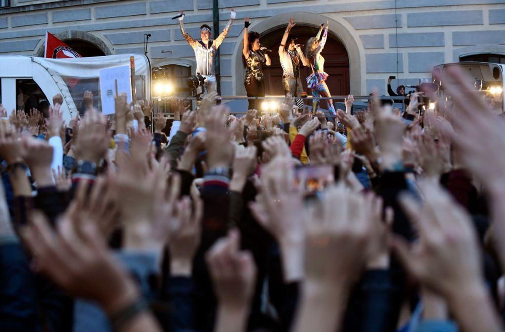 Laut Polizei kamen rund 6000 Menschen zum Auftritt der niederländischen Band. Foto: Getty Images/Thomas Kronsteiner