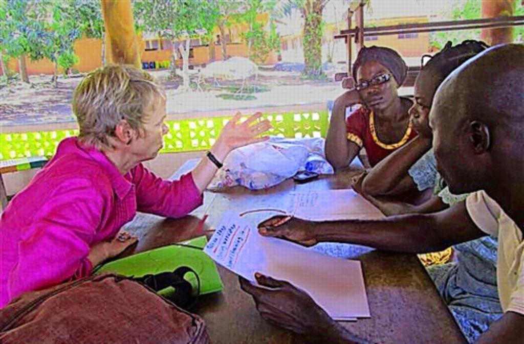 """Egal, ob im Bildungsbereich oder in der Landwirtschaft – die""""Manager ohne Grenzen""""  beraten Projekte und helfen so dabei, sie nachhaltig zu verbessern. Foto: Manager ohne Grenzen"""