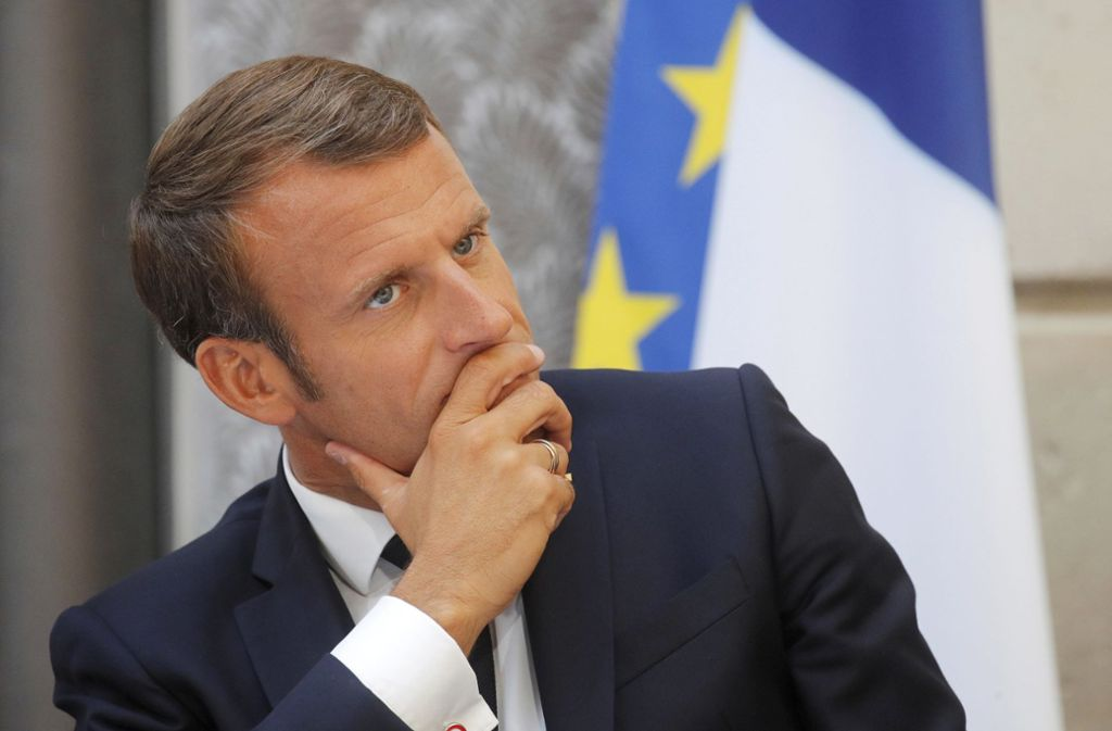 Der französische Präsident Emmanuel Macron muss mit anhaltendem  Widerstand gegen seine Reform-Bemühungen rechnen. Foto: AP/Philippe Wojazer