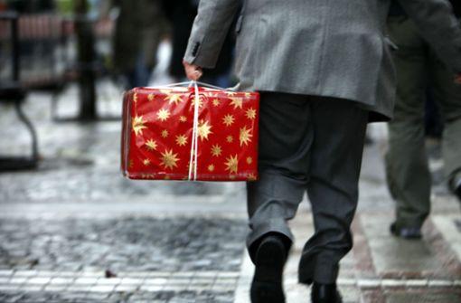 Was tun mit ungeliebten Geschenken unterm Weihnachtsbaum?