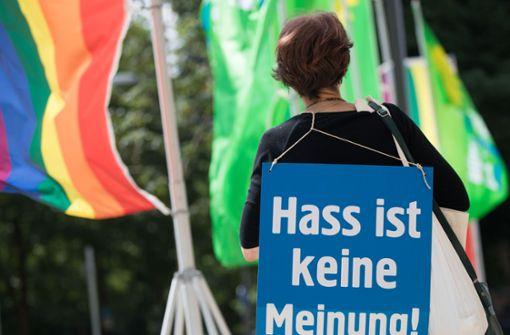 Grüne schlagen Alarm wegen Hasskriminalität