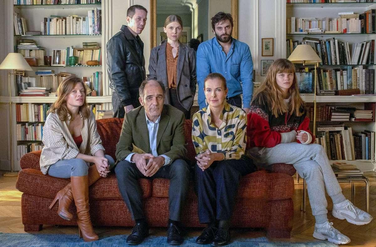 Dr. Philippe Dayan (vorne Mitte) und seine Patienten Foto: Carole Bethuel
