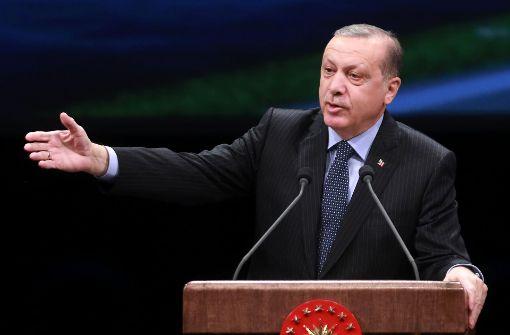 Türkischer Außenminister droht Griechenland Strafmaßnahmen an