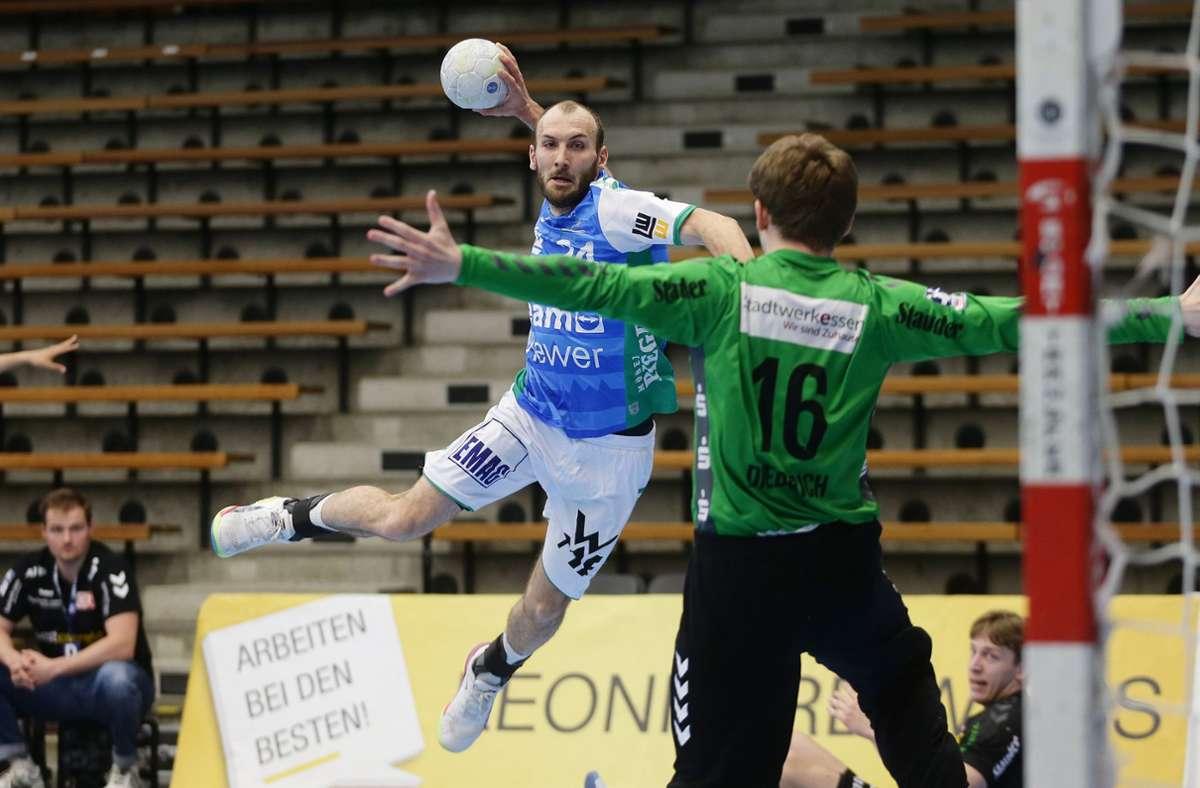 Marcel Schiller wirft gegen TuSEM Essen 13 Tore für Frisch Auf Göppingen. Foto: Baumann