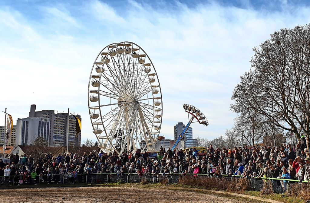 Um 9 Uhr startet das Programm im Reiterstadion und auch der Rummel öffnet. Foto: ulo