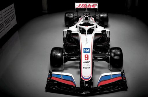 Warum darf der Haas-Rennwagen Russlands Farben präsentieren?