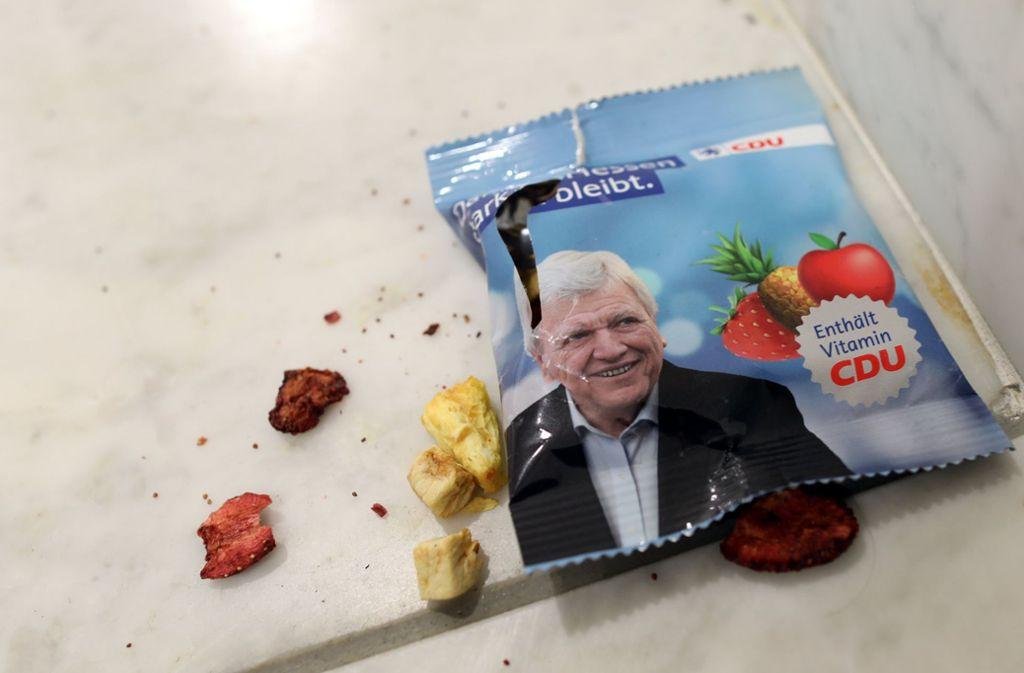 Ein Foto mit Symbolwert: Die CDU in Hessen wirkt irgendwie zerrissen und ausgelutscht. Foto: dpa