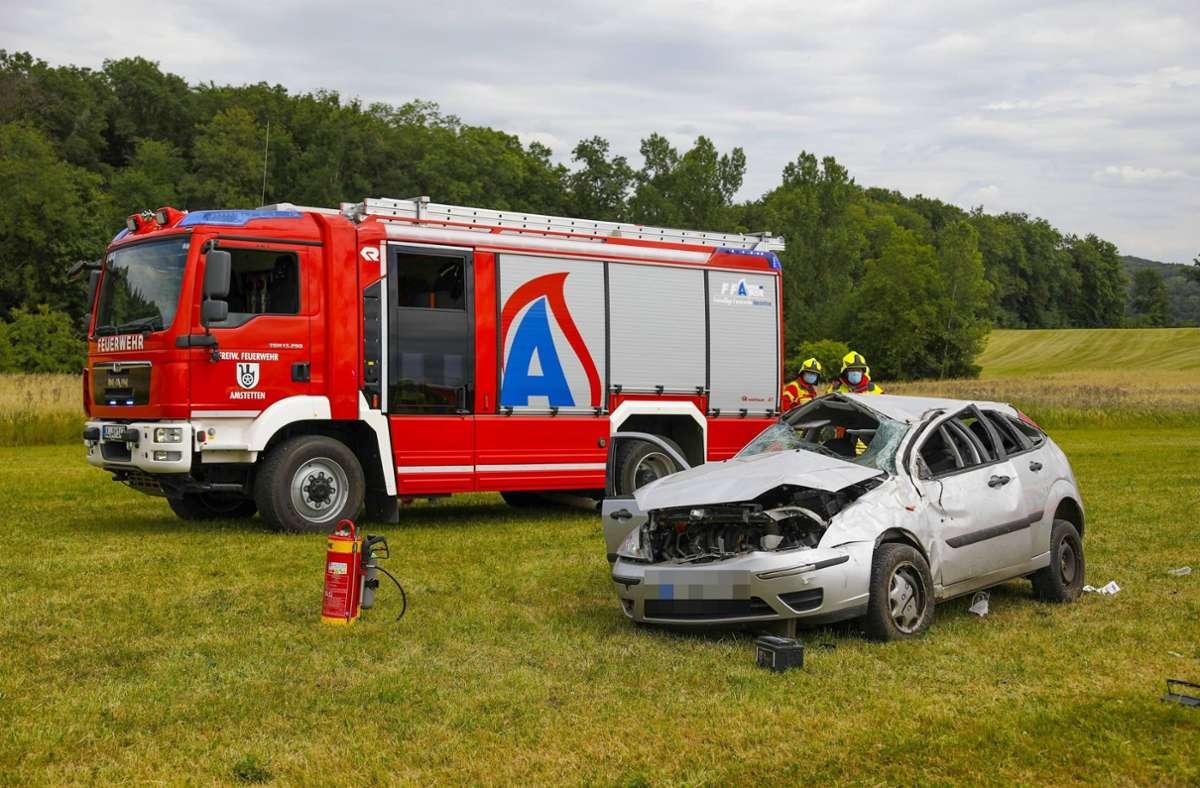 Das Auto landete in einer Wiese. Foto: 7aktuell.de/Christina Zambito