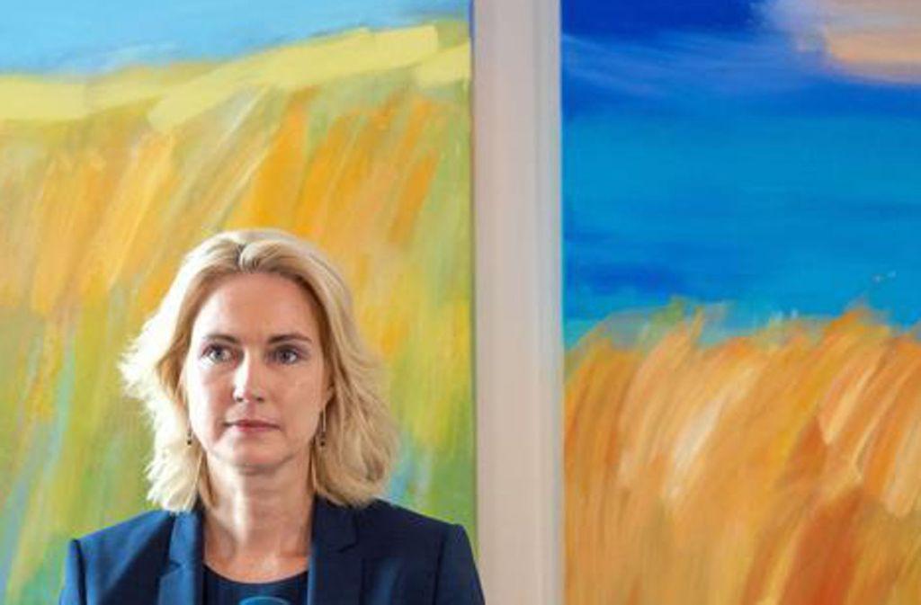 Manuela Schwesig hat am Dienstag eine öffentliche Erklärung zu ihrer Krebserkrankung abgegeben. Manuela Schwesig stellt sich der bitteren Diagnose. Foto: dpa