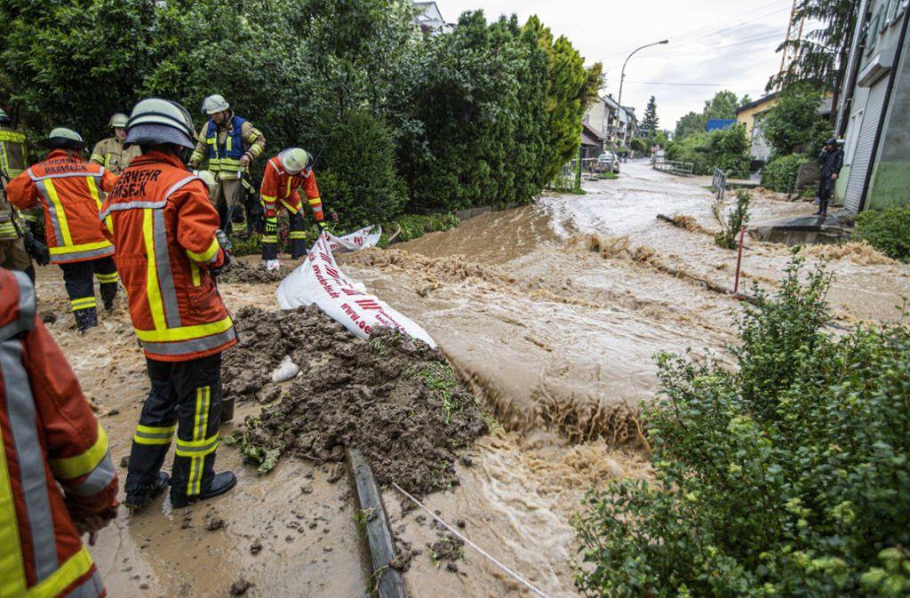 Die Feuerwehr in Remseck-Hochdorf hat alle Hände voll zu tun. Foto: 7aktuell.de/