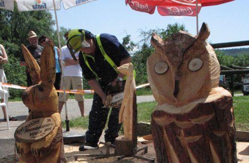 Holzkunsttage auf dem Dorfplatz