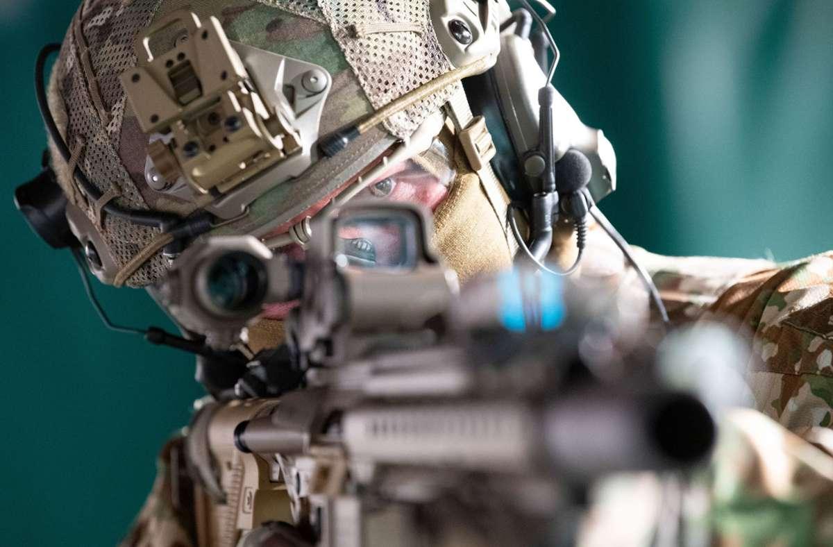 Die Spezialkräfte der Bundeswehr sollen 80 neue Fahrzeuge erhalten. (Archivbild) Foto: dpa/Marijan Murat