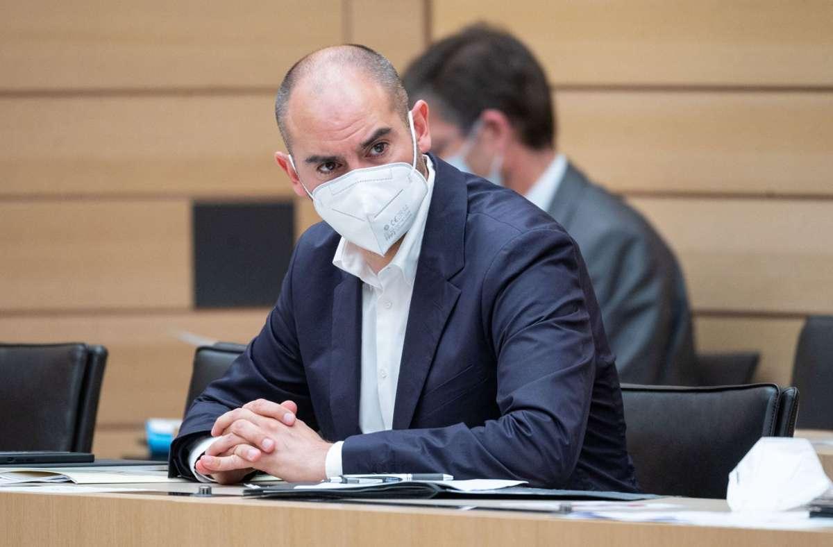 1,2 Milliarden Euro neue Schulden sind im Nachtragshaushalt von Finanzminister Danyal Bayaz eingeplant. Foto: dpa/Marijan Murat