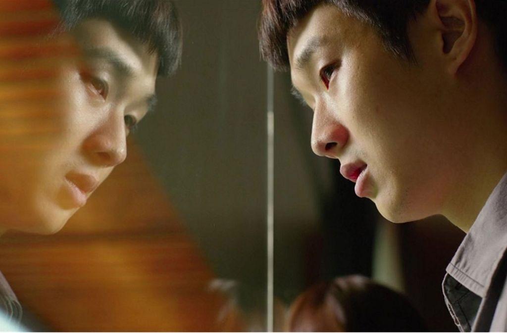 """Größtmögliches Wohlstandsgefälle: Choi Woo-shik in einer  Szene von """"Parasite"""" Foto: Verleih"""