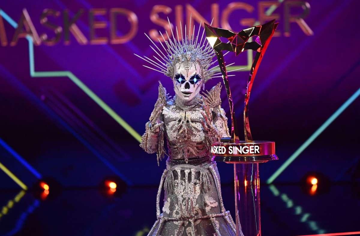 Das Skelett, Sängerin Sarah Lombardi, überzeugte auch im Finale und wurde zum Sieger der Show gekürt. Foto: dpa/Willi Weber