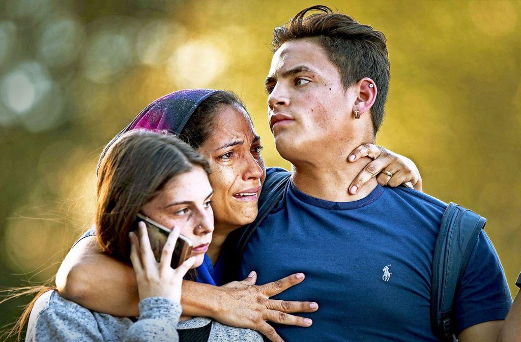 Nach dem Massaker von Parkland steht den Betroffenen der Schrecken ins Gesicht geschrieben. Foto: