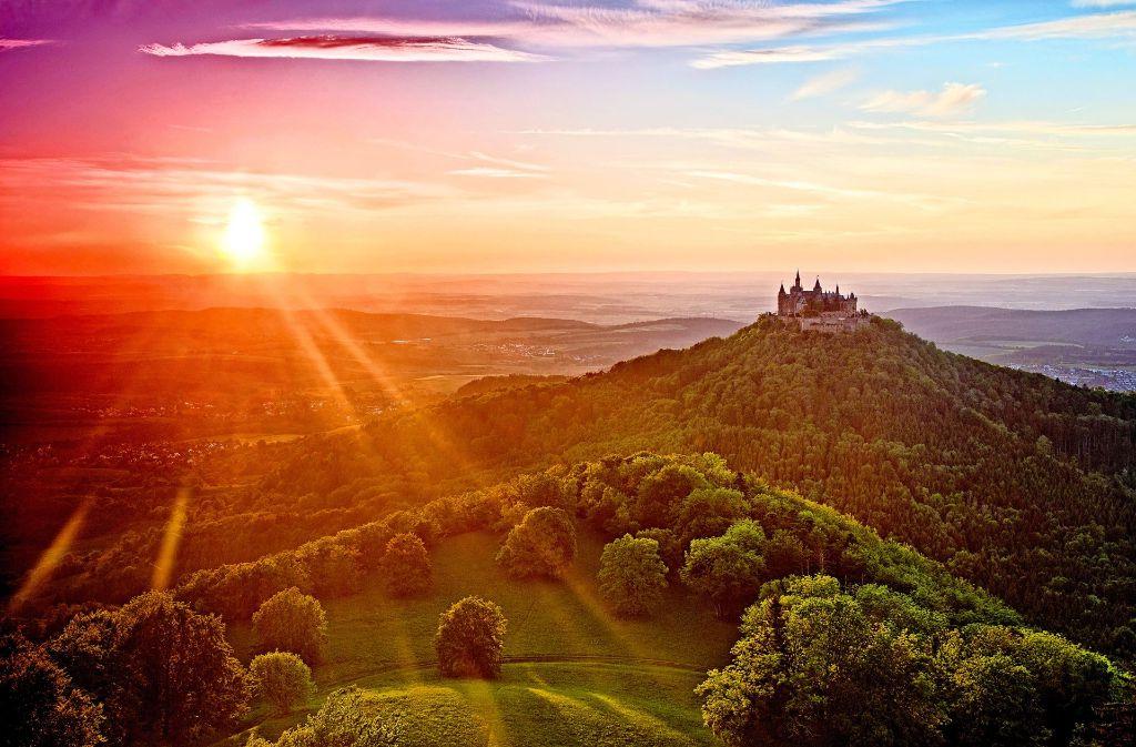 Die Burg Hohenzollern   – ein Wahrzeichen und damit auch ein Stück Heimat im Südwesten Foto: Stock/adobe