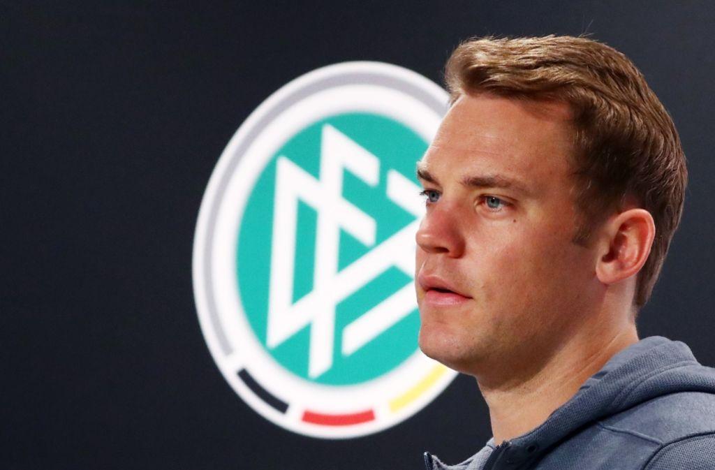 Nach dem letzten Spiel von Bastian Schweinsteiger mit der Nationalmannschaft ernennt Joachim Löw Neuer am 1. September 2016 zum neuen Kapitän. Foto: dpa