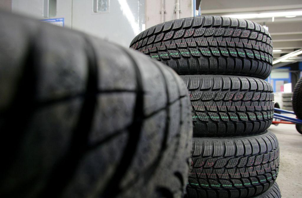 Der Betrieb in den Filialen von Reiff Reifen und Autotechnik soll nach dem Willen des vorläufigen Insolvenzverwalters möglichst rasch weitergehen können. Foto: Michael Steinert