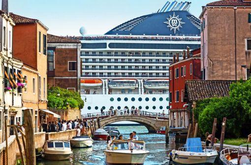 Wolfgang Schorlau und Claudio Caiolo  schicken  neuen Ermittler nach Venedig